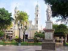 Plaza de Armas photograph (Freedom Monument)