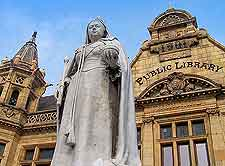 Picture of Queen Victoria statue at the Main Public Library