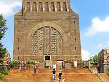 Closer picture of the Voortrekker Monument