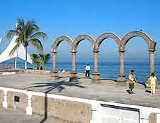 Image of the city's famous arches