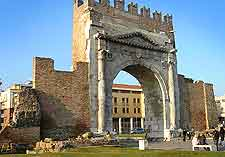 Image of the Arco di Augusto