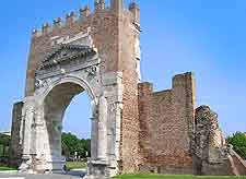 Photo of the Arco di Augusto