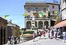 Rimini attractions nearby rimini emilia romagna italy for Flights to san marino italy