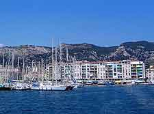 Further image of Toulon's waterfront