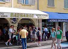 View of summer shoppers in St. Tropez