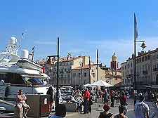 Further picture of St. Tropez quay in summer