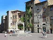 Piazza della Cisterna image