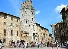 Further image of the Piazza della Cisterna