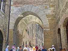 San Matteo Street picture (Via San Matteo)