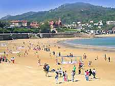 Further San Sebastian beach scene