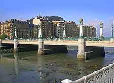 Image of the Puente de la Zurriola, San Sebastian