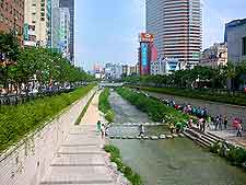 Photo of the Grand Canal in the summer