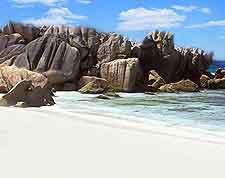 Picture taken at La Grande Plage de Sable Blanc, on Praslin Island