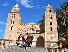 Picture of Cefalu's famous cathedral