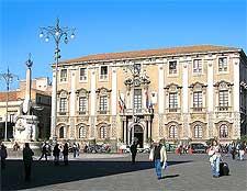 Photo of the Palazzo degli Elefanti in Catania, by Triquetra
