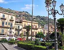 Picture of shops and streets in Monreale, Sicily