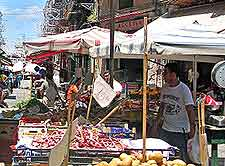 Photograph of market traders in Palermo