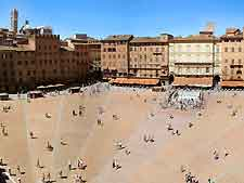 Aerial photograph showing the Piazza del Campo