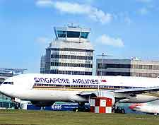 Photo of control tower at Singapore Changi Airport (SIN)