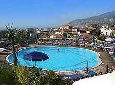 Picture of resort complex and outdoor swimming pool