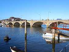 Picture of the Itchen River and Cobden Bridge