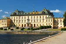 Picture of the waterfront Drottningholm Palace