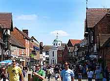 Image of summer crowds in the town centre