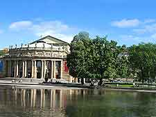 Picture showing the Staatstheater at the Schlossgarten