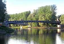 Picture of bridge over the Emajogi River