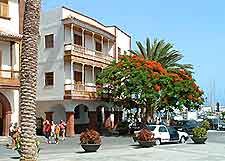 View of a Tenerife shopping area