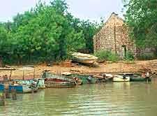 Janjanbureh riverfront image