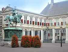 View of the Noordeinde Palace (Paleis Noordeinde)