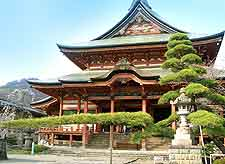 Image of temple in Kofu city
