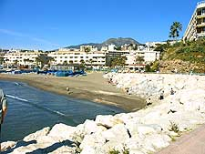 Further image of a beach in Torremolinos