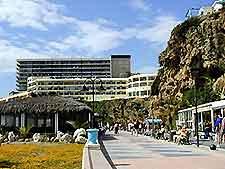 Image of seafront promenade stretching between Playamar and La Carihuela