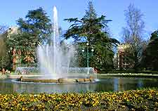 Photo of fountain in the Jardin des Plantes