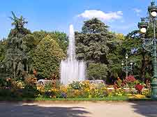 Toulouse parks and gardens toulouse midi pyrenees france for Jardin royal toulouse