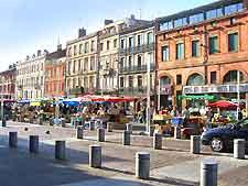Market picture, taken in the Arnaud Bernard area