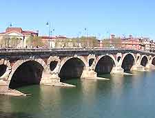 Image of the Pont Neuf bridge across the Garonne