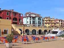 Picture of al fresco dining in Muggia