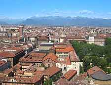 Turin Information and Tourism: Birds-eye photo of the city rooftops