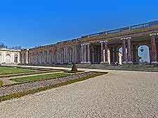 Summer picture of the Grand Trianon architecture