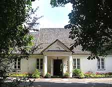 Picture of the Chopin House in Zelazowa Wola