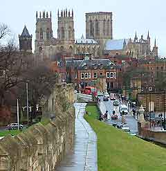 York travel guide and tourist information north yorkshire england - Tourist office new york city ...