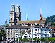 Further photo of the Grossm&#252;nster in the Kreis 1 area